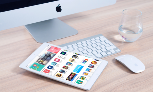 Verschiedene Best Practices verhelfen dazu, die Auffindbarkeit der eigenen Apps in den App Stores zu erhöhen.