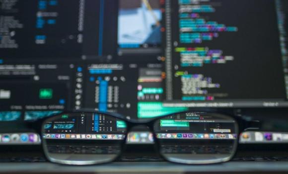 Manuelle Software-Tests können automatisierte Tests sinnvoll ergänzen.